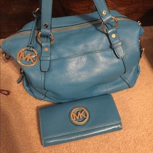 Used Michael Kors bag with matching wallet (Aqua)
